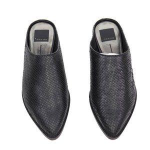 Dolce Vita Womens Aven Mule Flat Shoes Black Snake